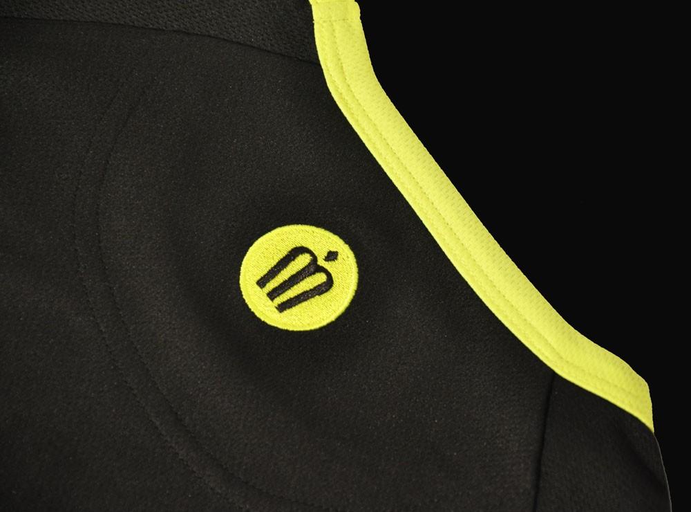 Badge hinterer Kragen